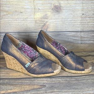 TOMS bronze shimmer peep toe wedges 3in heels